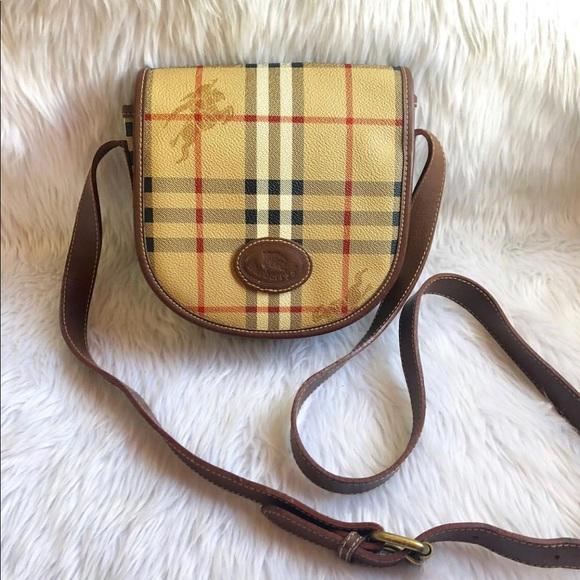 5fc4648df109 Burberry Handbags - Vintage Burberry Sling